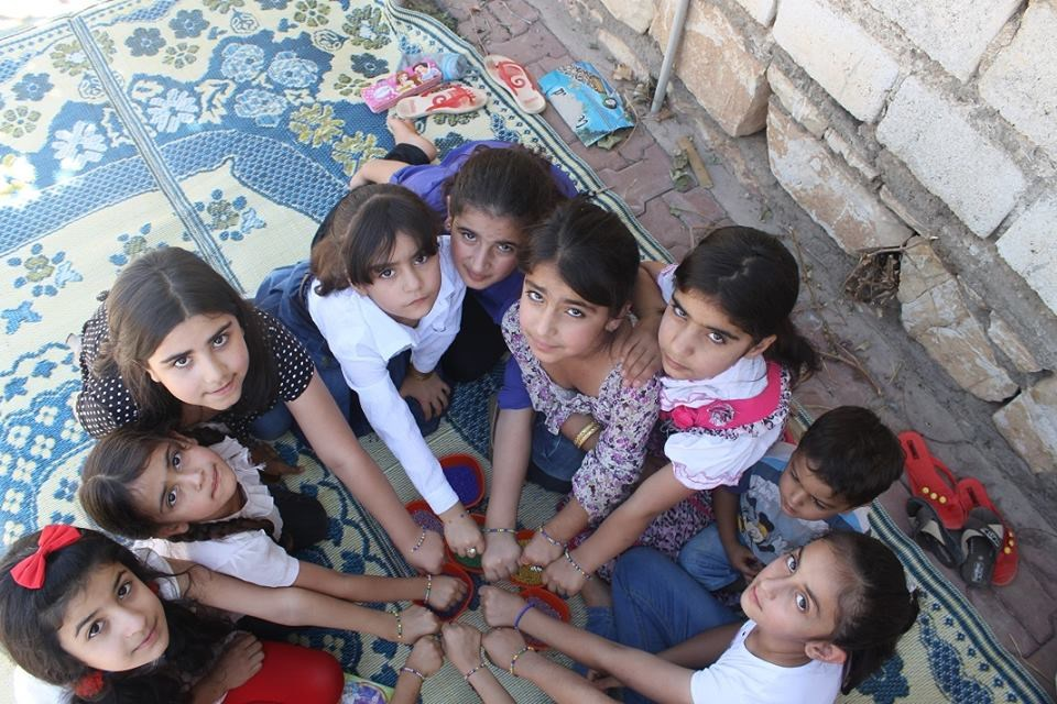 Young girls take part in peace campaign. Photos by Qayssar Rewlay