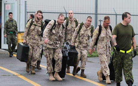 Canadian soldiers leaving their base in Trenton, Ontario bound for Kuwait. Oct. 2014. Photo: The Canadian press
