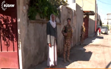 A screen grab of Kurdish Asayish securing Shiite Turkmen homes in Khurmatu. Rudaw file footage.