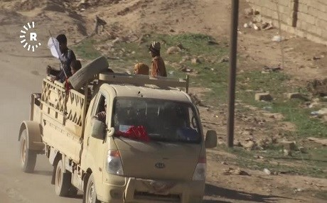 Mosul civilians fleeing the fighting reach Gogjali neighbourhood on the eastern edge of the city. Photo: Rudaw video