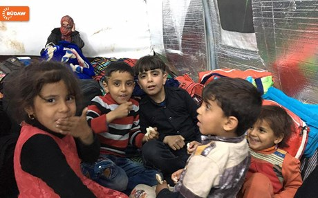 Children displaced by the fighting in western Mosul arrive at Chamakor Camp in the Nineveh Plains. Photo: Rawchi Hassan | Rudaw