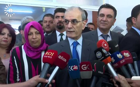 Kirkuk Governor Najmadin Karim speaks to reporters on Wednesday. Photo: Rudaw TV