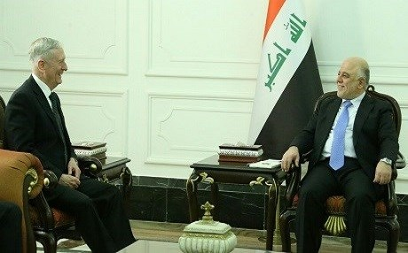 US Secretary of Defense James Mattis speaks with Iraqi Prime Minister Haider al-Abadi in Baghdad on Feb. 20. Photo: Iraqi PM Office