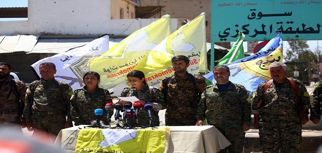 Commanders of the US-backed Syrian Democratic Forces (SDF), made up of an alliance of Arab and Kurdish fighters, speak during a press conference in the Syrian town of Tabqa which was liberated earlier this week. Photo: AFP/Delil Souleiman