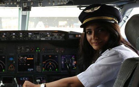 Warte Ali, 26, a Kurd from the city of Sulaimani, became the first Iraqi woman to earn the certificate to fly a Boein civilian plane. Photo: Iraqi Ministry of Transport