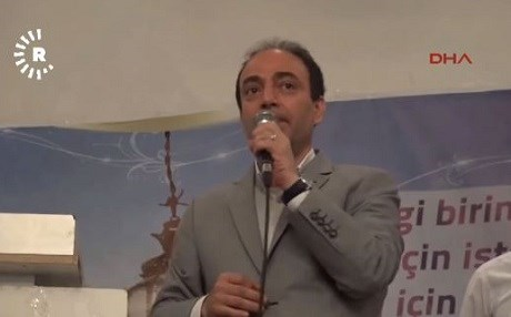 HDP spokesperson Osman Baydemir speaking at a Ramadan event in Batman on Sunday.