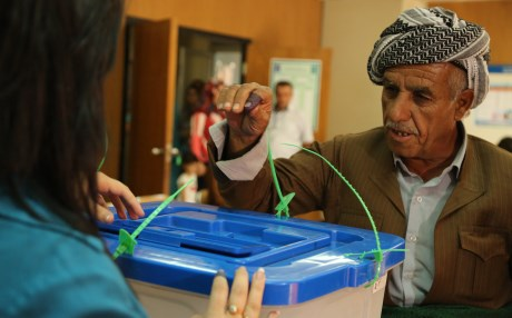 A Kurdish man casts his vote in the 2013 general elections in the Kurdistan Region. File Photo: Rudaw