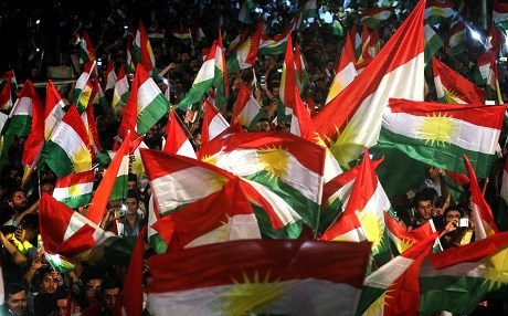 UPDATED: Armed group take Kurdistan flag down in disputed town