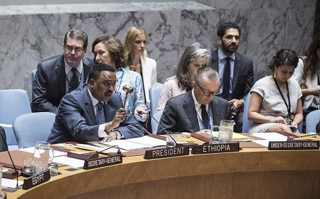 Workneh Gebeyehu Negewo (left), Minister for Foreign Affairs of the Federal Democratic Republic of Ethiopia and President of the Security Council for September, presides over a meeting of the UN Security Council on September 21. Photo: UN