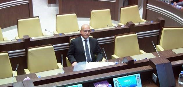 Kurdish Minister for Transport Mawlood Bawa Murad attends a session of the Kurdistan Parliament on September 30, 2017 as the Kurdish government discusses a set of measures imposed by the Iraqi parliament against the Kurdistan Region, including a ban on Kurdistan's  land and air borders with the outside world. Photo: Rudaw TV