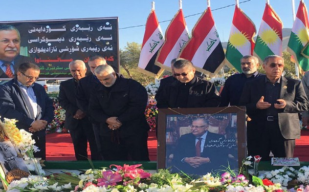 Major General Qassem Soleimani, Quds commander, paying his respects at the tomb of Mam Jalal Talabani in Sulaimani on Saturday. Photos: PUK Media