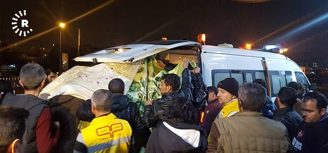 An ambulance transfers some of those the injured in Makhmur bombing on December 6, 2017 to Erbil's Rojawa hospital. Photo: Rudaw /Farhad Dolamari