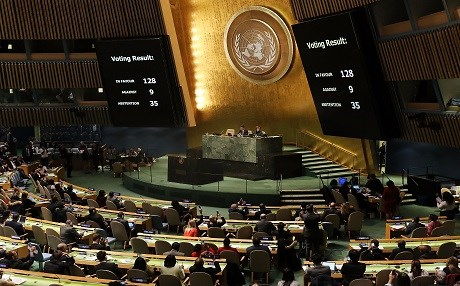 The voting results are displayed on the floor of the United Nations General Assembly on December 21. Photo: Spencer Platt | AFP