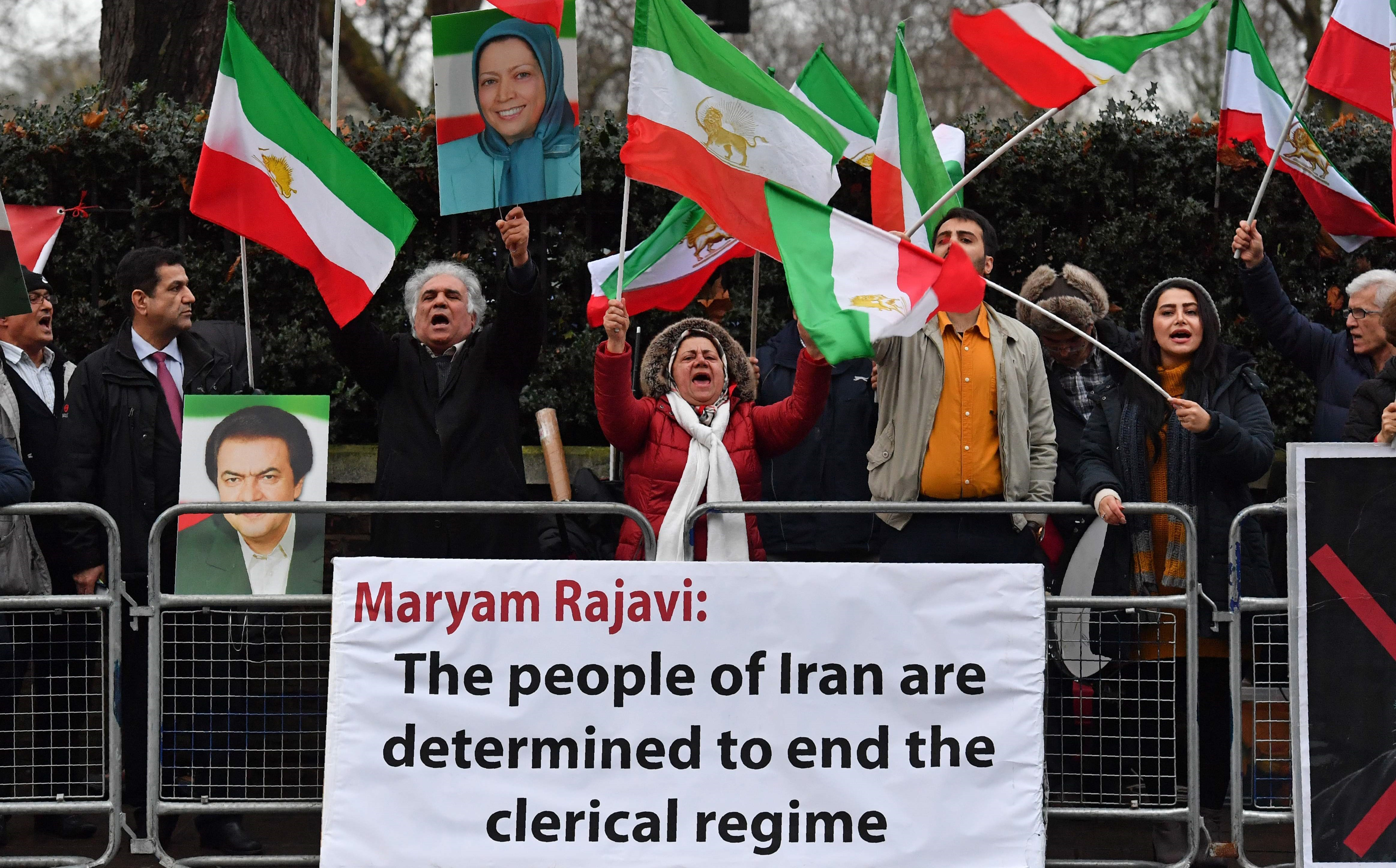 Protesters gather in front of the Iranian Embassy in London on Tuesday, supporting anti-government demonstrations in Iran. Photo: Ben Stansall/AFP