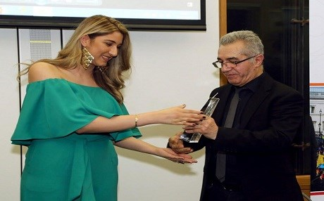 Hadis Sadiq Ayoubi receives the 2018 best in Art & Media Category at the Center for Kurdish Progress in London, England.
