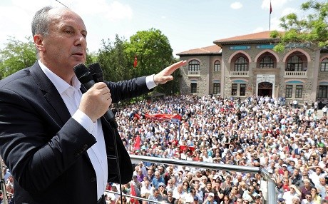 CHP's presidential candidate Muharrem Ince gives a campaign speech in Ankara on Friday. Photo: Adem Altan/AFP