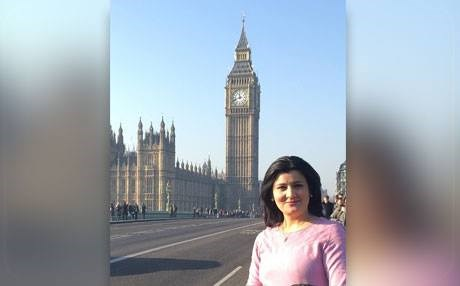 Rozhen Mohammed, a professor at Sulaimani Polytechnic University, stands in front of Big Ben in London, England. Photo: Source handout