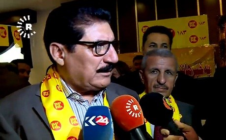 KDP politburo chief Fazil Mirani speaks to journalists while campaigning in Pirmam, September 22, 2018. Photo: Rudaw video
