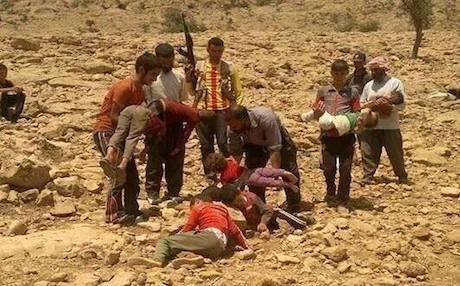 The refugees say that the Islamic militants have massacred 300 villagers in the vicinities of Shingal since Saturday and that hundreds more missing.