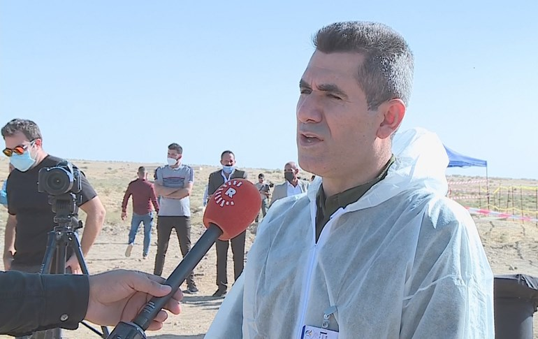Sirwan Jalal, head of the Kurdistan Regional Government (KRG)'s mass graves team, speaks to Rudaw in Solagh, Shingal region on October 24, 2020. Photo: Rudaw