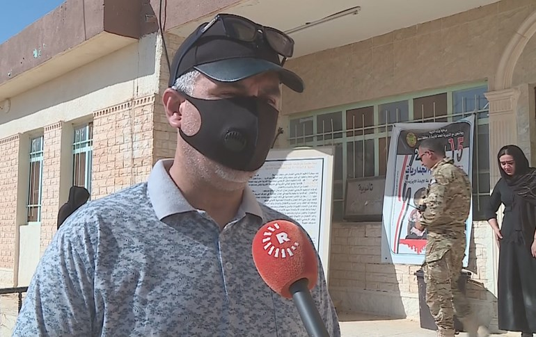 Dhia Karim, head of the Iraq's team exhuming mass graves, speaks to Rudaw. Photo: Rudaw